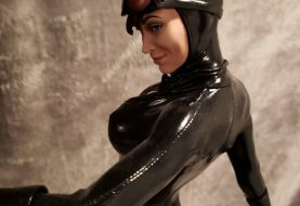 Catwoman Steals The Show On King of Statues 18