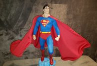 Superman Swoops Onto King Of Statues 25